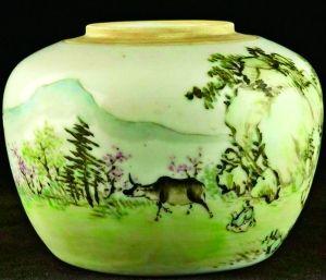 童子牧牛图瓷壶