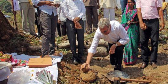 今年5月底,大众在印度捐款兴修水利,此刻距离排放门东窗事发只有四个月