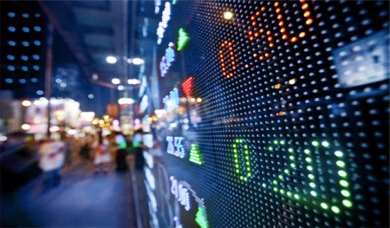 金融系统是现代经济不可或缺的重要组成部分,本身并不是坏事,出坏事是因为从业者无良,监管者不作为,行业规则不严格