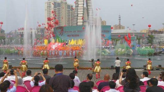 盱眙龙虾节开幕式现场。