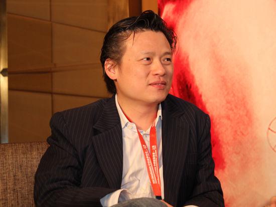 图为英特尔投资中国区董事总经理许盛渊发言(图片来源:新浪财经 李靓一摄)