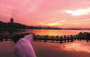 西湖负责人称景区免费开放每年间接效益数百亿