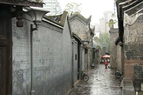 9月14日:获奖网友长江地标广场之行(组图)