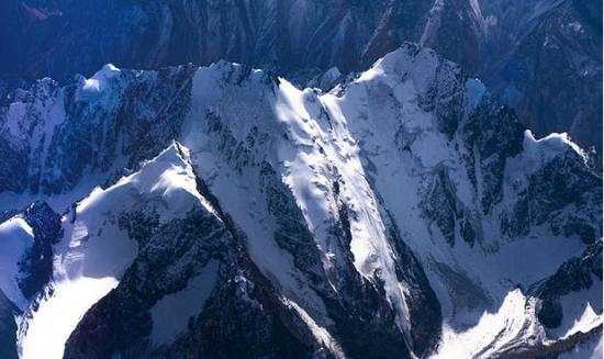 新疆巴楚之旅:飞越天山 美的让人心颤