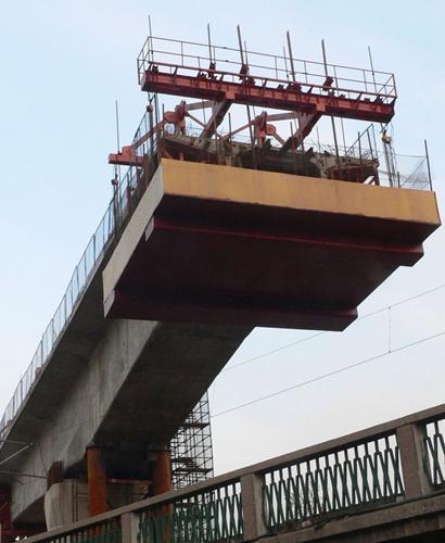 中国铁路项目缺钱停工潮多地高铁项目拖欠工人工资