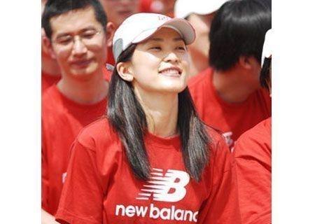 揭秘十大身价过亿的华人美女富豪(组图)