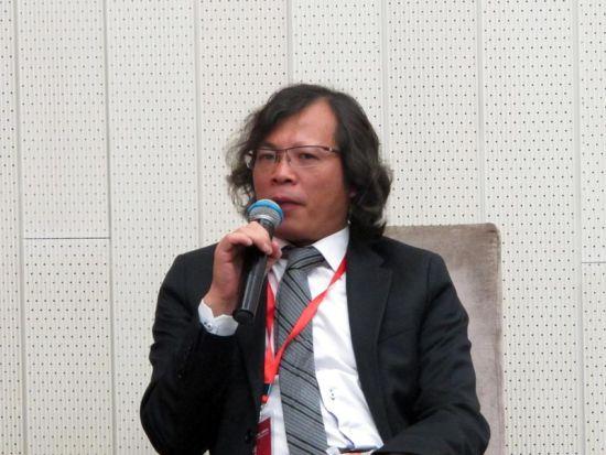 安信地板董事长卢伟光