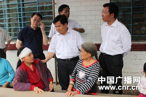 云南昭通市长称贫穷是灾害根本原因(组图)