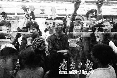 广州公共交通免费首日公交客流仅增9.4%