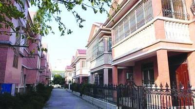 江苏无锡12户别墅面临拆迁 被调换农民安置房