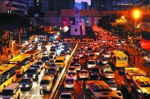 亚运限行解禁后广州连堵四天 城市交通陷入被动