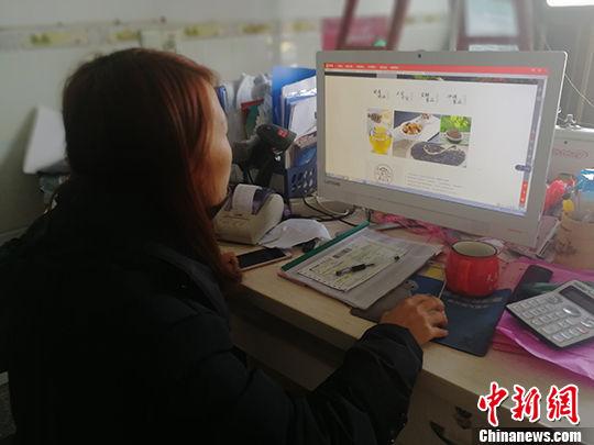 互联网开启无界沟通 铺就江西农民脱贫路
