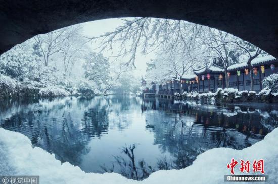 江苏无锡一场雪 寄畅园美成一幅画卷