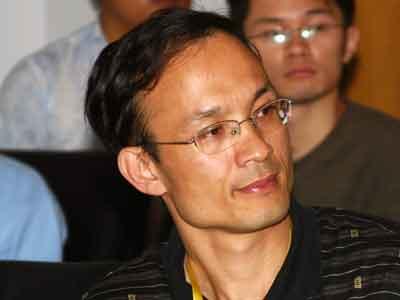 图文:厦门大学经济学院金融系教授郑振龙