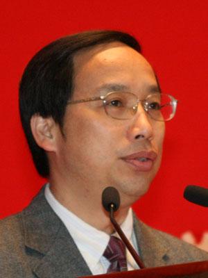 图文:中国红十字基金会秘书长王汝鹏致辞
