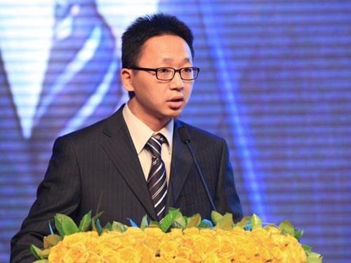 《创业家》杂志主编申音宣布发起创新日(来源:新浪财经 陈鑫 摄)