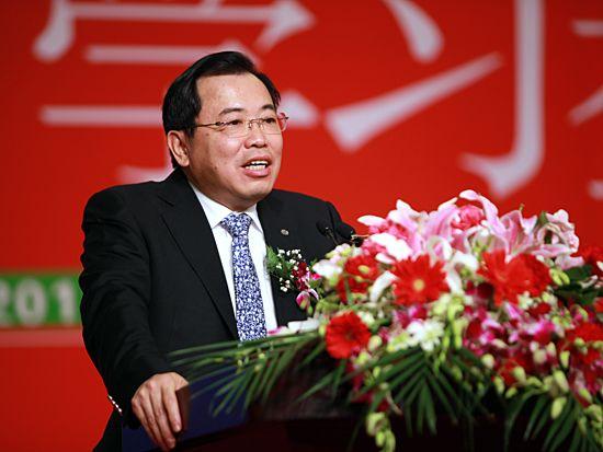 第十一届学习型中国-世纪成功论坛于2010年12月30日/31日-2011年1月3日在北京九华山庄隆重举办。 上图为TCL集团公司董事长兼总裁李东生。(图片来源:新浪财经 梁斌 摄)