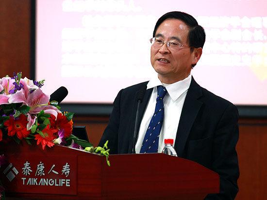 武汉大学经济与管理学院院长陈继勇(新浪财经 陈鑫 摄)-陈继勇 缺乏