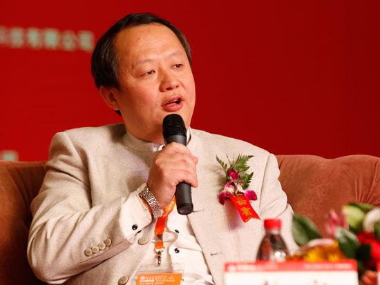 """北京大学""""企业文化与执行力""""总裁班主讲教授李安(新浪财经 陈鑫 摄)"""
