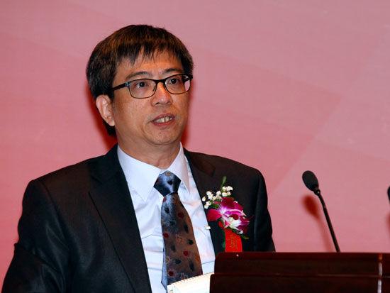 香港大学现代语言及文化学院副教授王向华(新浪财经 陈鑫 摄)