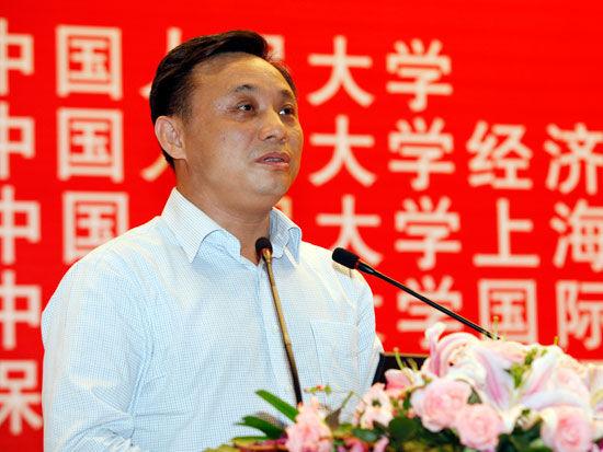 中国人民大学经济研究所联席所长毛振华(来源:新浪财经 陈鑫 摄)