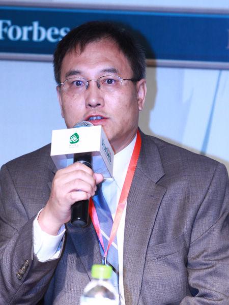 """""""福布斯中国县级城市投资与发展论坛""""于2012年9月26日在江苏昆山举行。上图为湖南华曙高科技有限公司总经理许小曙。(图片来源:新浪财经)"""