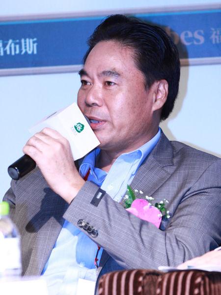 """""""福布斯中国县级城市投资与发展论坛""""于2012年9月26日在江苏昆山举行。上图为江南资本创始合伙人钟晓林。(图片来源:新浪财经)"""