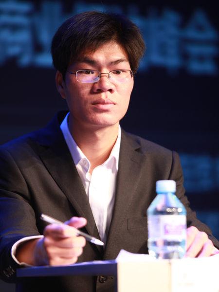 """""""2012中国技术商业领袖峰会""""于2012年11月16-17日在北京举行。上图为北京市怀柔区宝山镇道德坑村党支部书记助理檀烈。(图片来源:新浪财经 梁斌 摄)"""