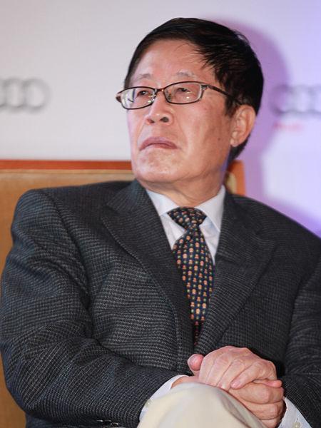 """""""三亚・财经国际论坛""""于2012年12月15日-17日在海南省三亚市举行。上图为四通集团董事长段永基。(图片来源:新浪财经 梁斌 摄)"""