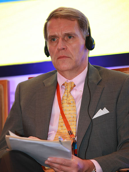 """""""三亚・财经国际论坛""""于2012年12月15日-17日在海南省三亚市举行。上图为美国斯考克罗夫特咨询公司主席、合伙人倪可文。(图片来源:新浪财经 梁斌 摄)"""