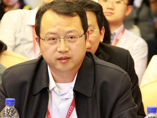 """""""2014亚布力中国企业家论坛第十四届年会""""于2月11日-14日举行。上图为思想互动空间《宏观经济论坛:中国经济第二季》现场。 (图片来源:新浪财经 刘海伟 摄)"""