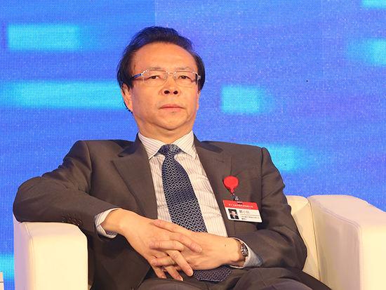 中国华融资产管理股份有限公司董事长赖小民