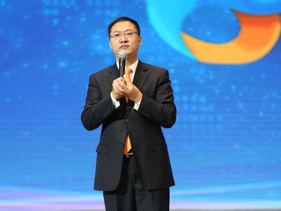 """""""首届全球社会企业家生态论坛""""于2015年11月25日-27日在北京召开。上图为商界传媒集团总裁周忠华。(图片来源:新浪财经)"""