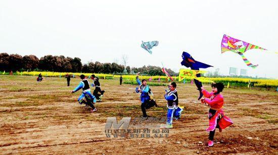 北川孩子放起风筝