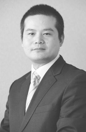 国投瑞银稳健增长朱红裕:上下结合挖牛股_基金