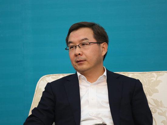 银华基金总经理王立新