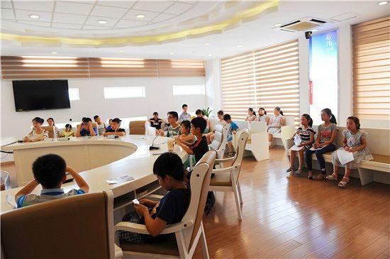 """杭州江干区法院开展""""我要当法官""""公众开放日活动"""