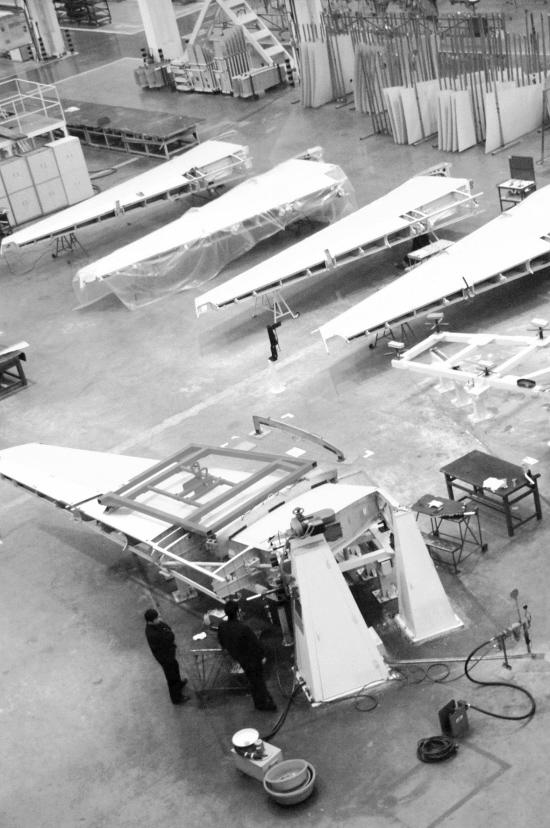 800和900型飞机,也是西飞集团多年来转包生产的b737