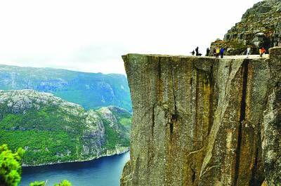 挪威布道石 全球最壮丽景观(组图)