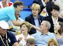 盖茨布什女儿握手问候