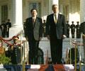 朱�F基总理对美国进行正式访问