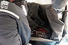 获救矿工送往医院途中