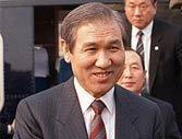 卢泰愚(任期1988-1993年):贪污叛国罪入狱