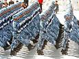 海军陆战队方队通过天安门接受检阅