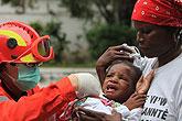 中国救援队开展医疗救助工作
