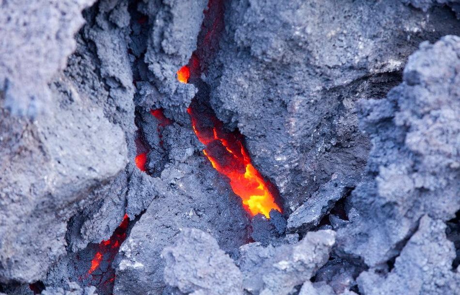 厄瓜多尔火山喷发
