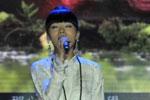 族青年歌手阿佳组合演绎《呼唤》,呼吁公众在青年环境友好使者的带动下开展低碳减排行动