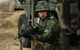 韩国士兵进行训练