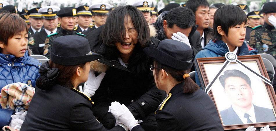 韩国举行海警李清好遗体告别仪式