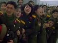 朝鲜女兵捶胸痛哭